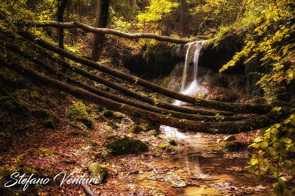 Le cascate del bucamante in autunno