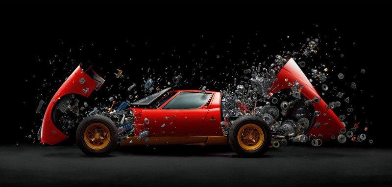 L'esplosione di una Lamborghini Miura. 2 anni per ottenere questo scatto!